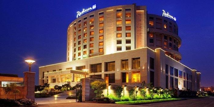Radisson Blu Hotel New Delhi Travel with Davinde Taxi Service